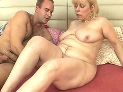 She can't endure it anymore, and frisky MILF is swapping semen!