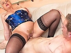 Horny mature slut fucking her ass off