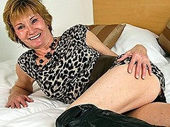Horny Dutch mature slut playing with her wet pussy