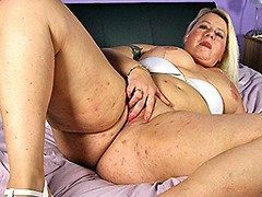 Naughty Dutch BBW playing with her wet pussy