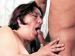 Cock hungry gilf sucking stiff cock