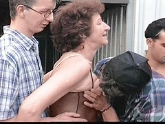 Granny bitch spreading wide to have her pussy pumped in a wild fuckfest