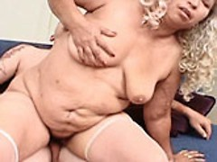 Chubby granny bitch spreading wide to have her wet hole pumped