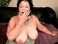 Gilf gives off blowjob and swallows cum